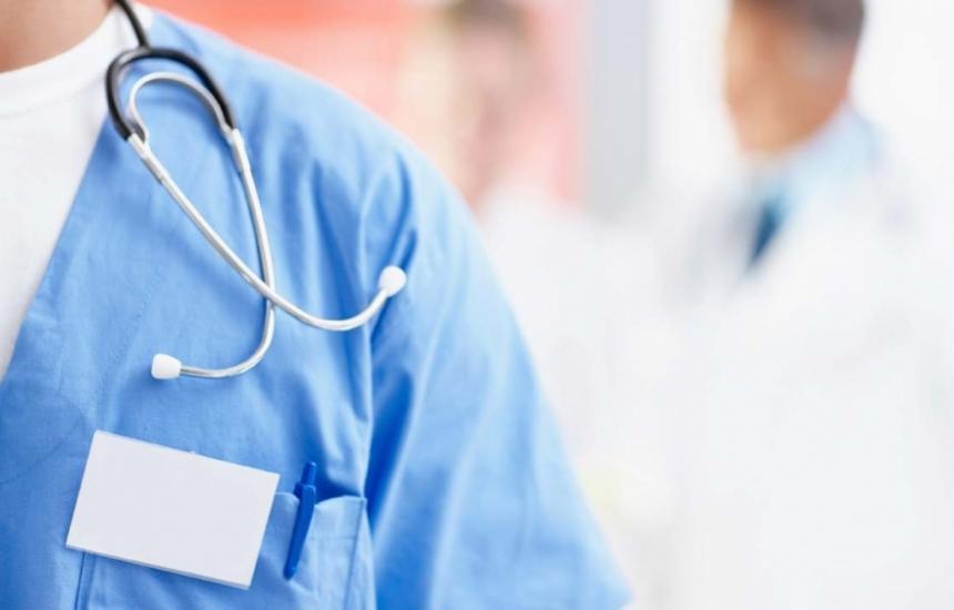 Медиците в Сливен бранят колеги заради родилката