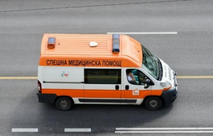 Пак нападнаха спешни медици