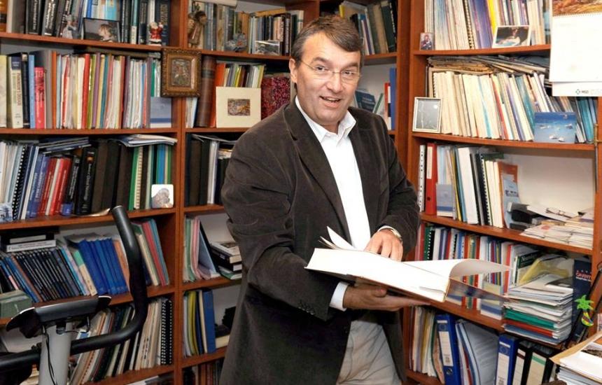 Неврологът Лъчезар Трайков стана академик