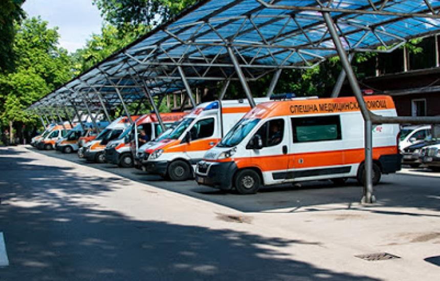 МЗ пусна новия търг за линейки
