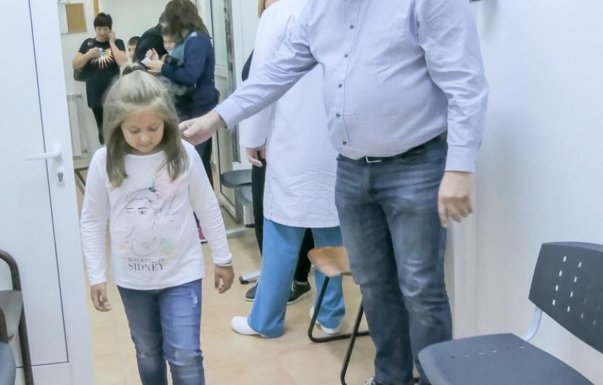 Пироговци прегледаха 400 деца в Сандански