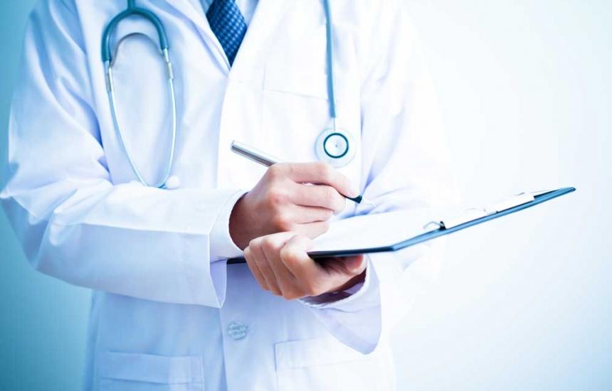 Решават минималните заплати на лекарите
