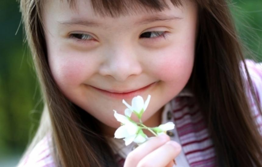 """Децата с Даун раздават """"47 усмивки"""