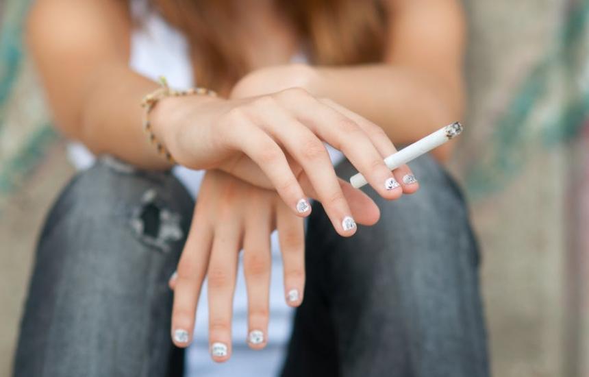 Момичетата ни-първенци по пушене