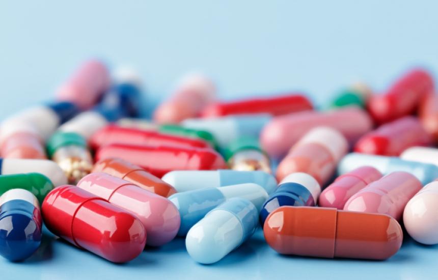 Спират ръста на парите за лекарства