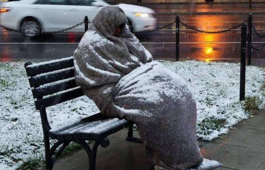 По 150 бездомници в кризисните центрове в София