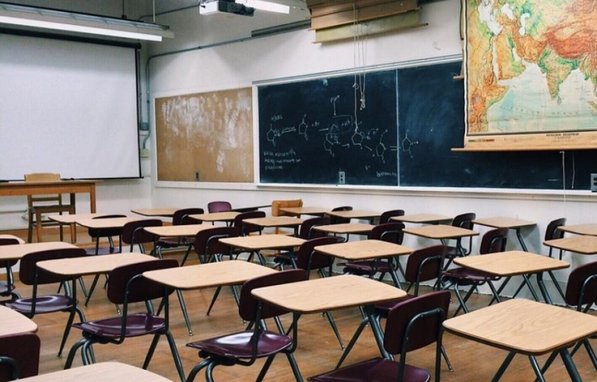Грипът затвори 465 училища в страната