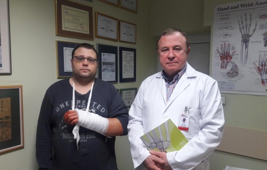 Спасиха ръката на мъж в Пирогов