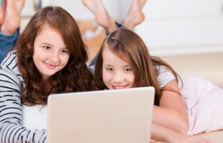 Учат децата как да се пазят в нета