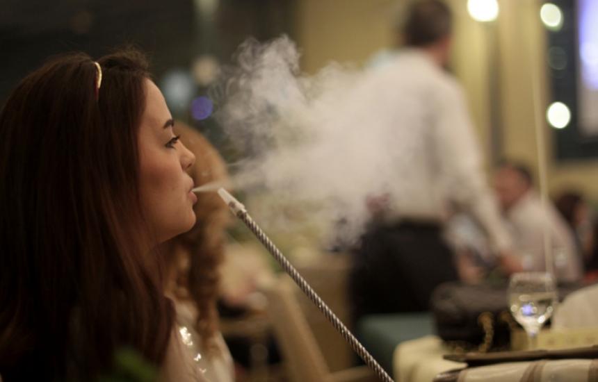Забраниха пушенето на наргилета на закрито