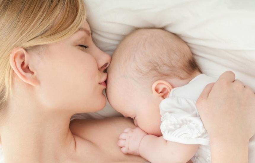 Акушерки ще обучават бъдещи майки