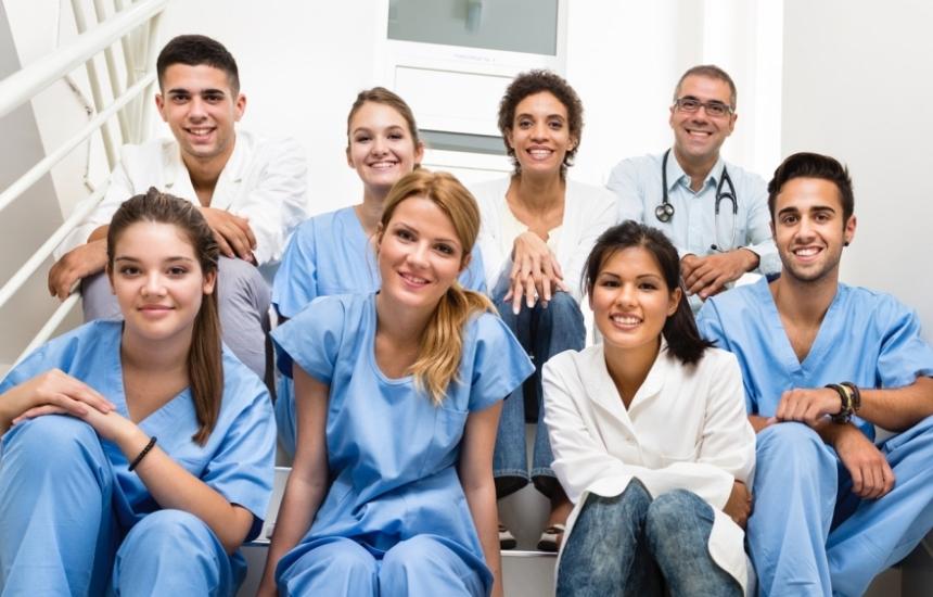 Намаляват приема по здравни грижи