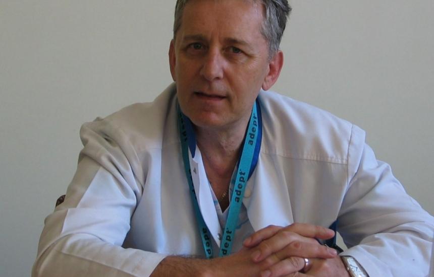 Проф. Горчев с Орден на академичните палми