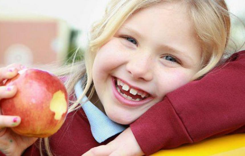 Над 300 хиляди получават плод и мляко в училище