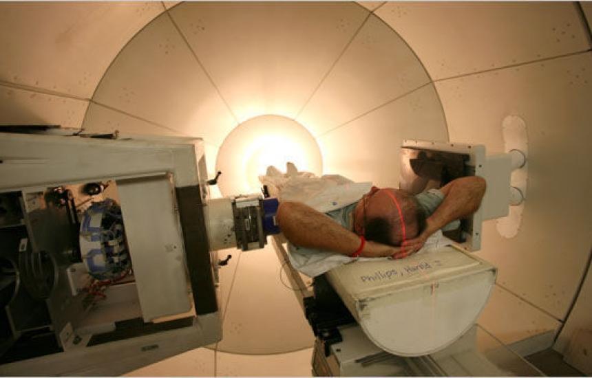 Адронен ускорител ще лекува рак