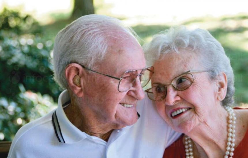 Умни устройства помагат на възрастни хора