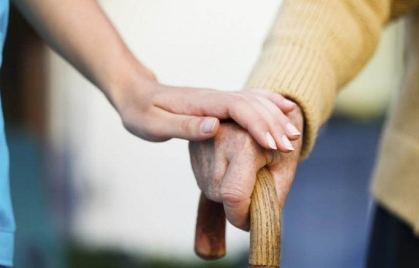 Помощ вкъщи за 500 възрастни във Варна