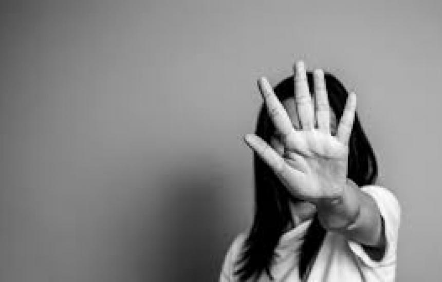 35 % от жените - жертви на насилие на работа