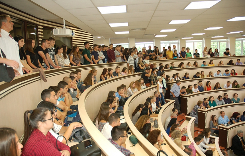 МУ-София приема 177 студенти платено