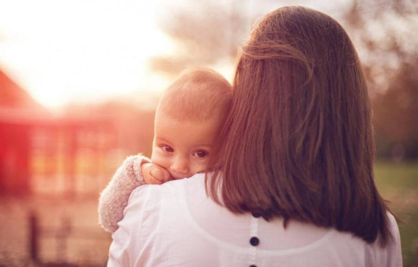 НОИ плаща на майките на 1 август