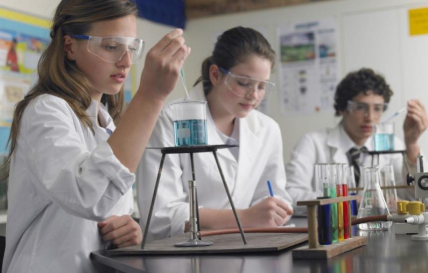 Фондът за наука кани млади учени за два конкурса