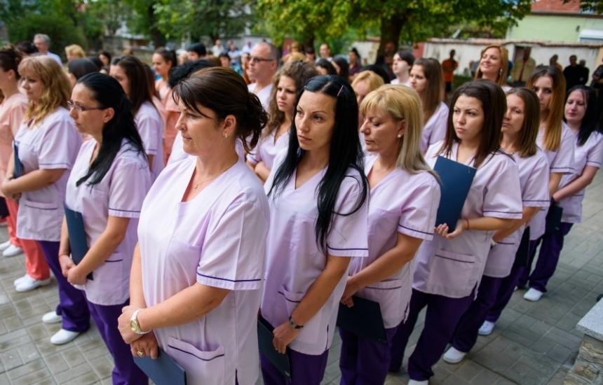 Продължава приема на сестри и акушерки в МУ- Варна