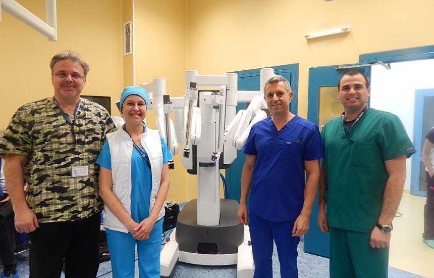 Уникална урологична операция в Плевен