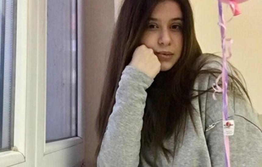 Момиче на 18 години се бори с лимфом на Ходжкин