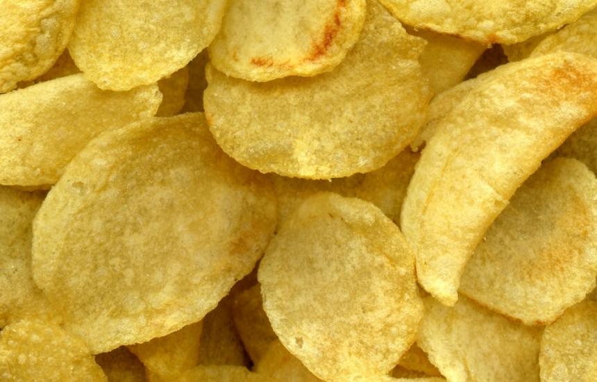 Диета с чипс и хляб увредила очите на момче