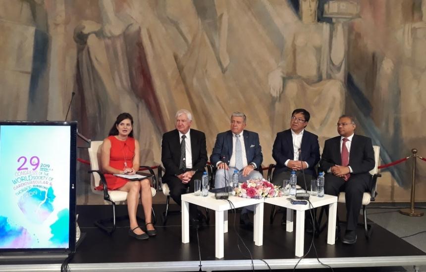 Над 400 лекари от цял свят се събират на форум в София