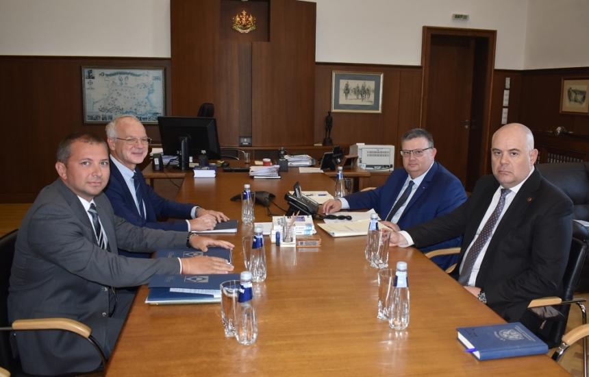 АИКБ се срещна с главния прокурор за цената на тока