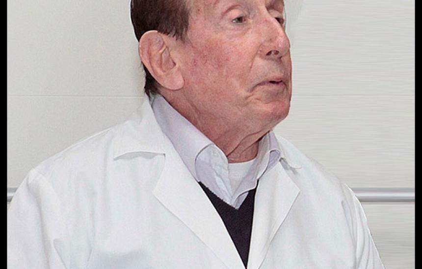Почина проф. Панайот Солаков