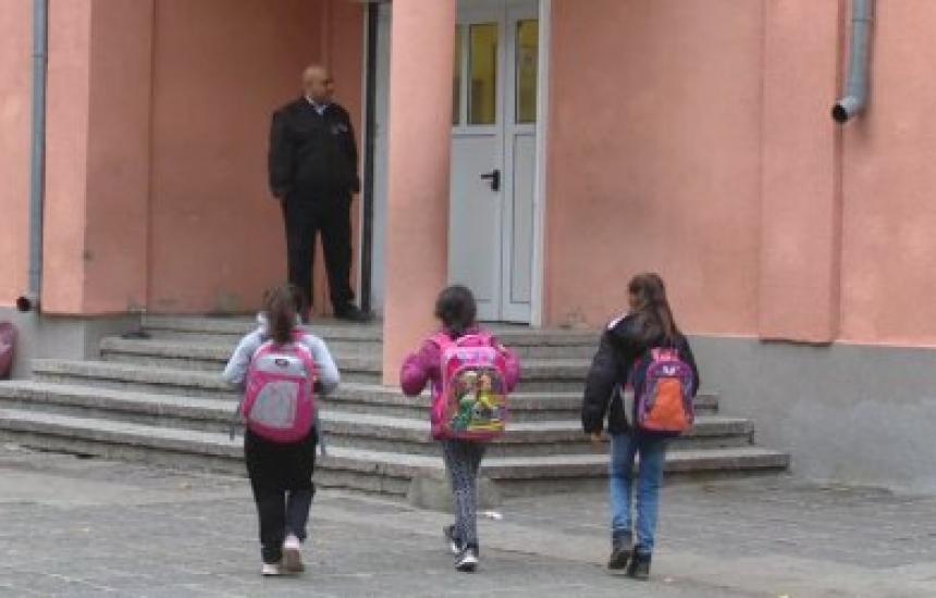 2000 деца са изведени от рискови семейства