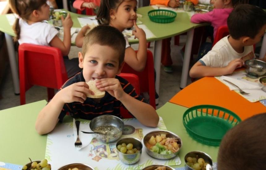 20 акта за нарушения в детското хранене