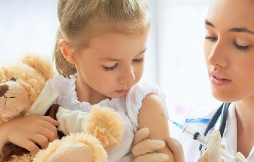 Имунизираха извънредно 12 хил. деца срещу морбили