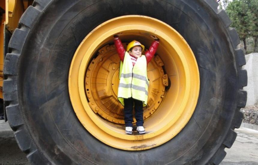 1200 деца се запознаха с професиите на родителите си