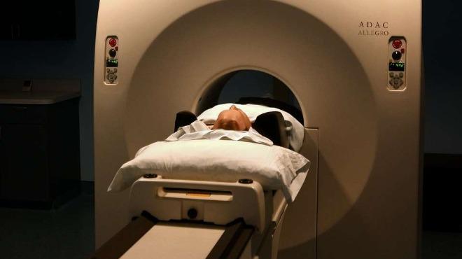Наказание за лаборантката, забравила пациент в скенер