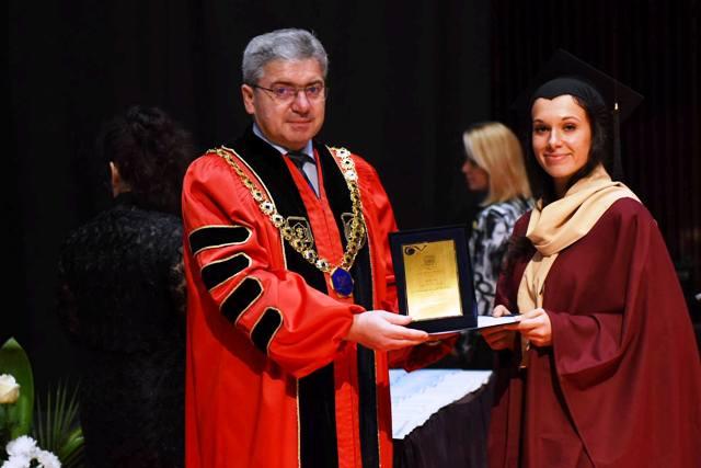Дипломира се Випуск 2017 дентални медици