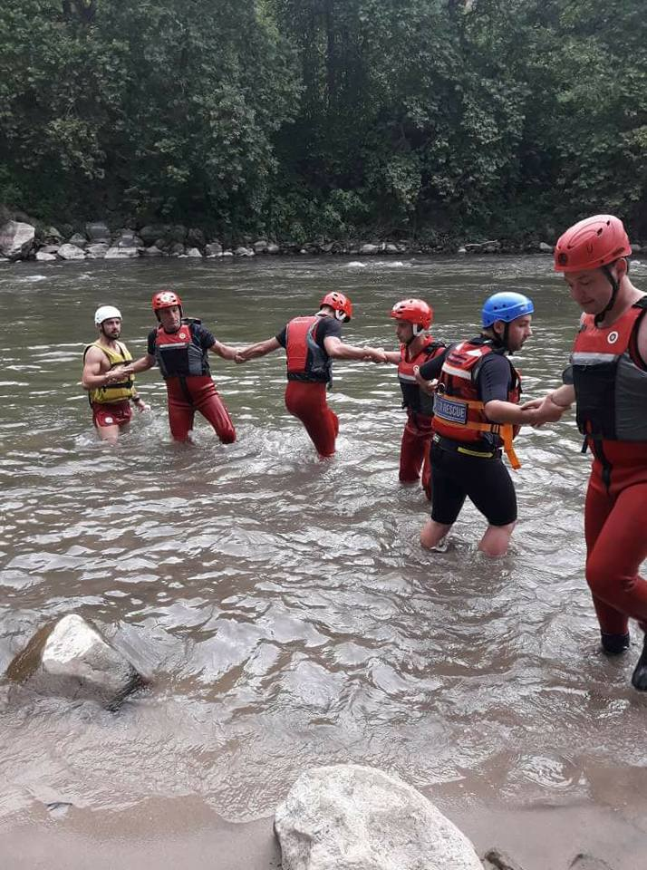 БЧК показва спасяване от наводнение