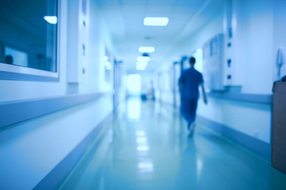 Касата отряза две болници с договори