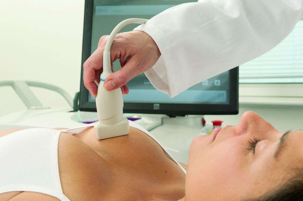 Лекуват фиброаденом на гърдата с нов метод
