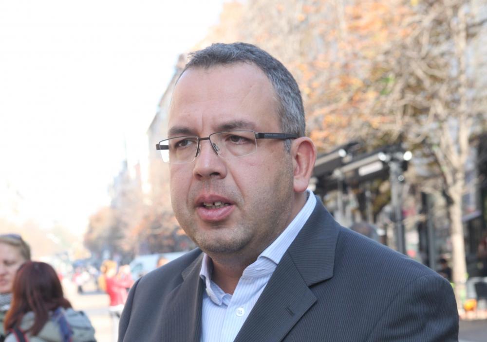 Новият министър да лобира за клиничните пътеки