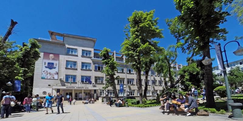 Готов е справочника за кандидатите за МУ-Варна