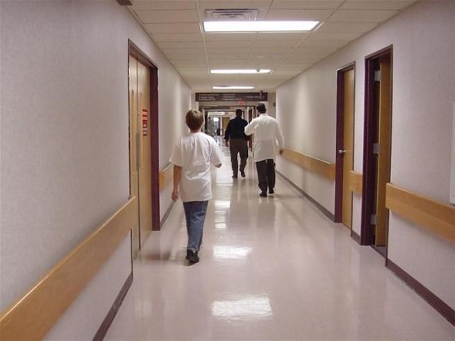 Обявяват заплатите на лекари и сестри