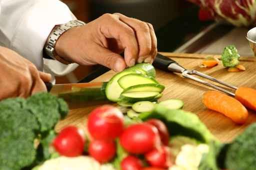 Лекари готвят здравословно с кауза