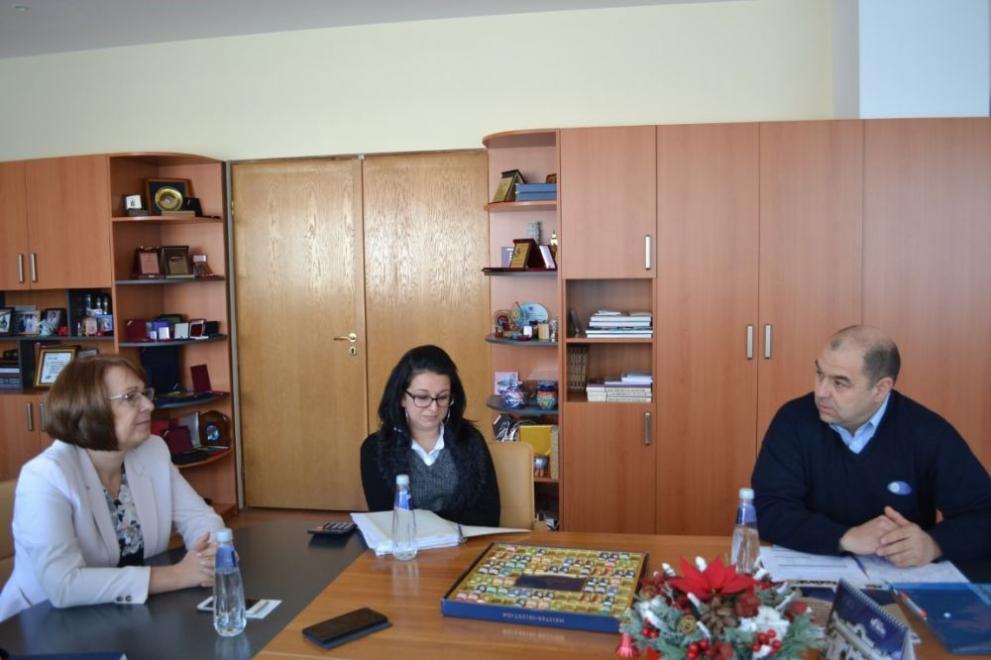 850 лв. стана заплатите на сестрите в градините в Казанлък