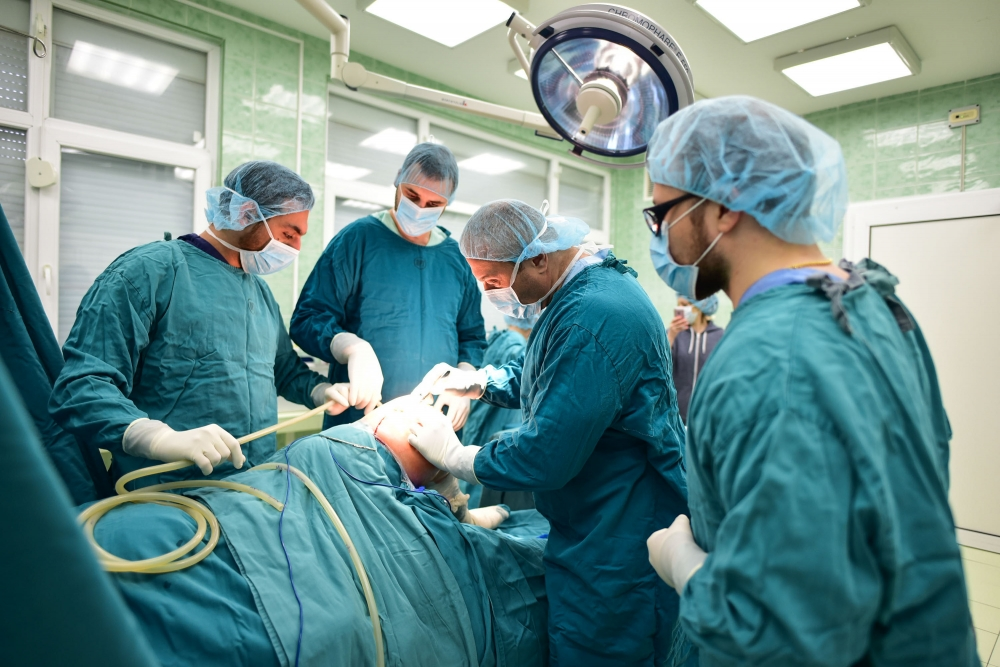 Иновация при колянното протезиране в
