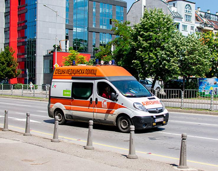Пациент нападна спешен медик в столицата