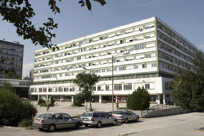 В Бургас спасяват дете, паднало от хотел