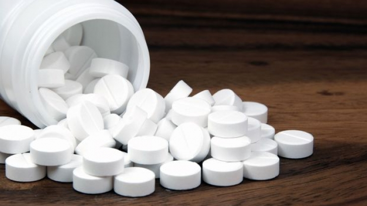 Искат спиране на лекарства с парацетамол